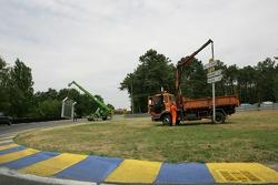 Préparations de la piste à Arnage
