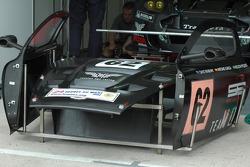 Travail pour l'équipe Russian Age Racing sur la Aston Martin DBR9