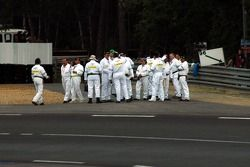 Course marshals have a last minute meeting