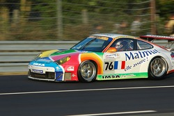 Tête-à-queue pour la #76 IMSA Performance Matmut Porsche 911 GT3 RSR: Romain Dumas, Raymond Narac, Luca Riccitelli