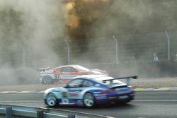 Spin for #87 Scuderia Ecosse Ferrari 430 GT: Andrew Kirkaldy, Chris Niarchos, Tim Mullen