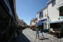 Visite de la Vendée: une rue dans Saint-Gilles-Croix-de-Vie