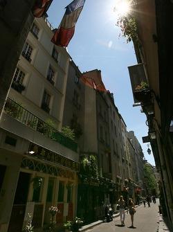 Une charmante rue dans Saint-Germain-des-Prés