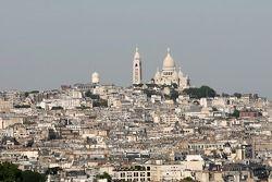 Une vue depuis le sommet de l'Arc de Triomphe: Montmartre