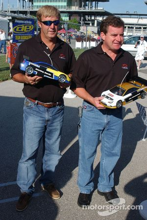 Le challenge des voitures RC: Sterling Marlin et Joe Nemechek