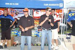 Le challenge des voitures RC: Martin Truex Jr. et Kyle Busch