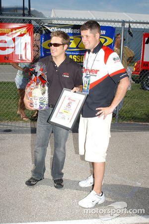 Le challenge des voitures RC: le vainqueur Scott Wimmer
