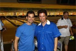 Le tournoi de bowling de la Fondation Jeff Gordon: Jeff Gordon et le joueur de bowling professionnel