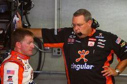 Jeff Burton et le chef d'équie Scott Miller