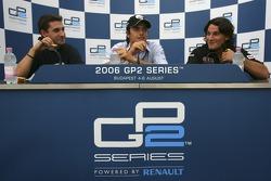 Conférence de presse : le vainqueur de la course Nelson A. Piquet avec Timo Glock et Giorgio Pantano