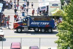Un camion de sport aux couleurs de Jeff Gordon