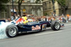 Роберт Дорнбос на демонстрационных заездах в Будапеште