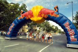 Running bulls rendez-vous in Budapest: Formula Unas girls