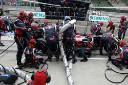 Scott Speed exercises a pit stop