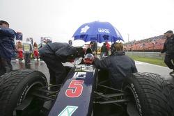 Jose Maria Lopez en pole position