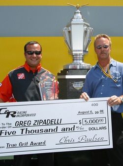 Greg Zipadelli reçoit la récompense True Grit