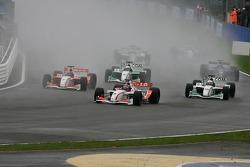 Первый круг гонки GP Masters