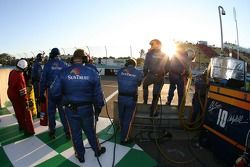 SunTrust Racing crew members ready for a pitstop