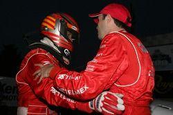 Podium : les vainqueurs de la course race Scott Pruett et Luis Diaz qui célèbrent
