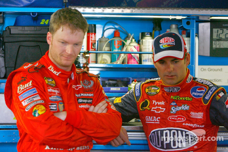Dale Earnhardt Jr. y Jeff Gordon