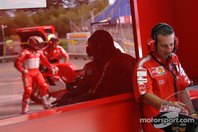 Área de pit Ducati