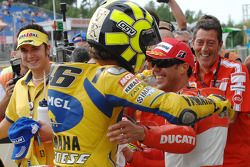 Polesitter Valentino Rossi, Yamah; 2. Loris Capirossi, Ducati