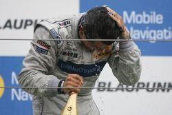 Podium: champagne pour Bruno Spengler