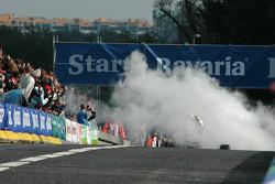 Nico Rosberg destroying his engine on the Willemsbridge
