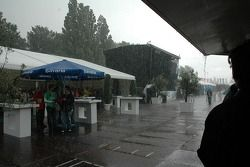 Il y a eu beaucoup de chutes de pluie pendant un long moment durant l'évènement
