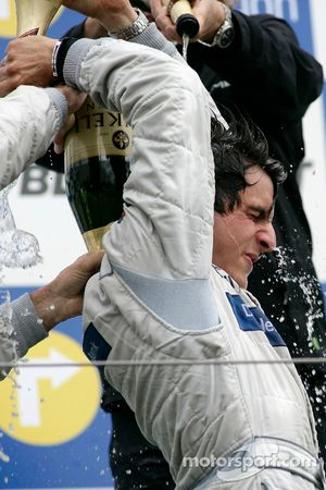 Podium: champagne for Bruno Spengler