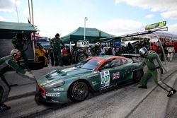 Aston Martin pit stop