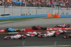 Start crash: Giancarlo Fisichella and Scott Speed