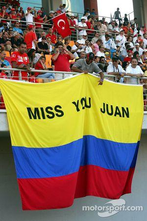 Turkish spectators with a Juan Pablo Montoya banner