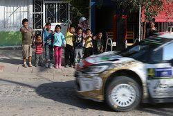 De jeunes fans mexicains