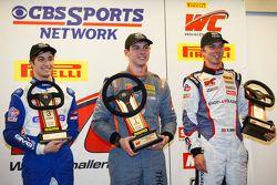 GTC podium: le vainqueur Colin Thompson, Sloan Urry, Alec Udell