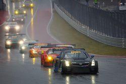 GT field leaving pit lane