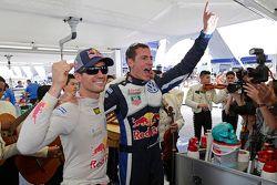 Los ganadores Sébastien Ogier y Julien Ingrassia, Volkswagen Polo WRC, Volkswagen Motorsport