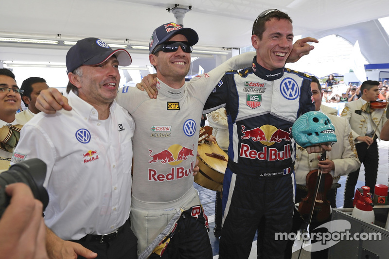 1. Sébastien Ogier und Julien Ingrassia, Volkswagen Polo WRC, Volkswagen Motorsport, mit Teammanager