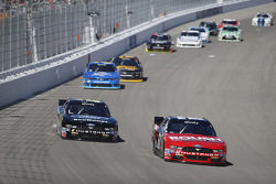 Darrell Wallace Jr., Roush Fenway Racing Ford en Chris Beuscher, Roush Fenway Racing Ford
