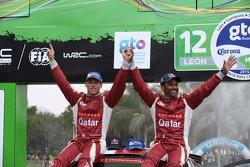 Les vainqueurs WRC2 Nasser Al-Attiyah et Matthieu Baumel, Ford Fiesta R5