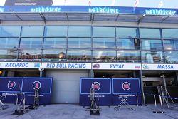 Red Bull Racing pit garajes
