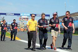 Макс Ферстаппен, Scuderia Toro Rosso, прогулка по трассе
