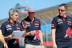 Max Verstappen, Scuderia Toro Rosso camina en el circuito