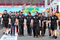 Пастор Мальдонадо, Lotus F1 Team, Ален Пермейн, гоночный директор Lotus F1 Team