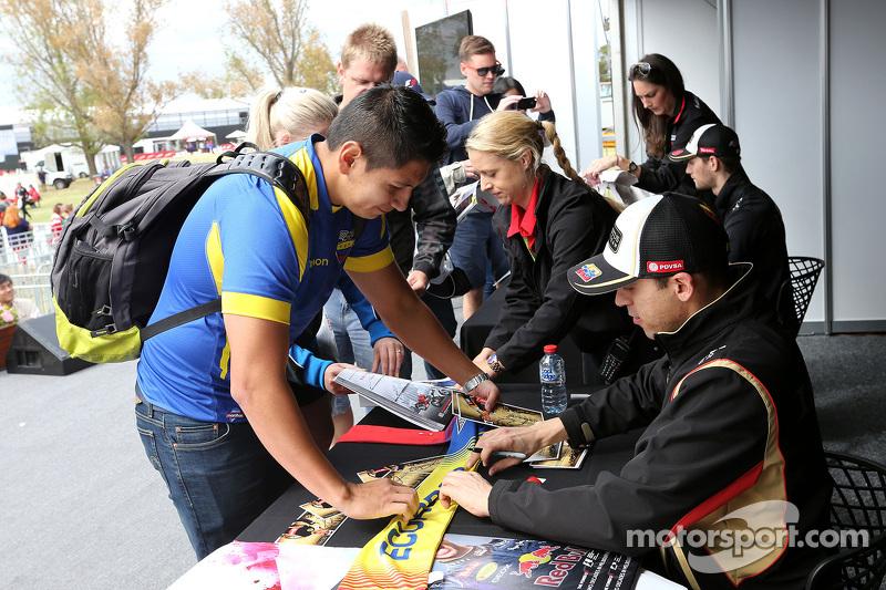 Pastor Maldonado, Lotus F2