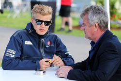 Marcus Ericsson, Sauber F1 Team with Eje Elgh, Driver Manager