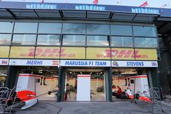 Le garage Manor F1 Team