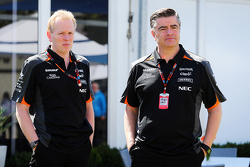 Andrew Green, Sahara Force India F1 Team Technical Director with Andy Stevenson, Sahara Force India F1 Team Manager