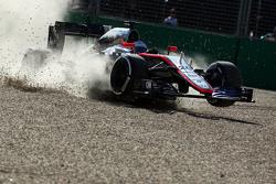 Кевин Магнуссен, McLaren MP4-30, авария