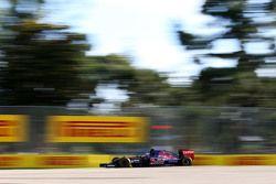 Карлос Сайнс-младший, Scuderia Toro Rosso STR10